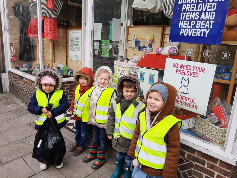 Oak Tree Pre-School donating toys to a Oxfam